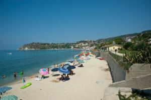 spiaggia capovaticano